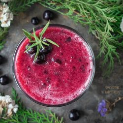 Blackcurrant Smoothie with Apple and Banana