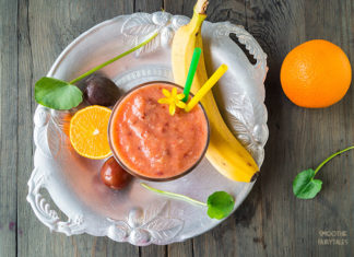 Plum, Banana and Orange Smoothie